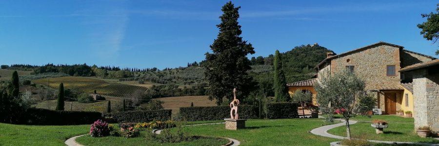 foto 55 __giardino _ingrandire per vedere la collina col castello